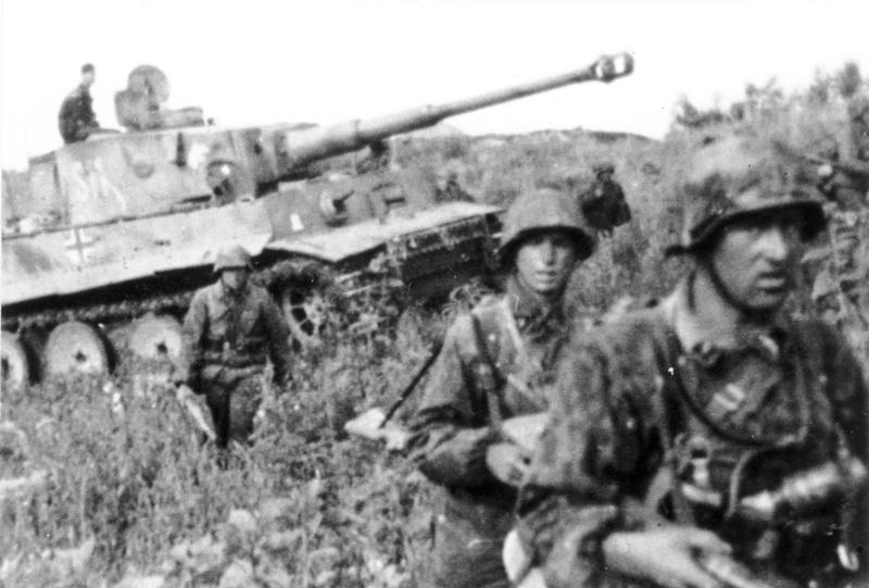 SS Panzergrenadiers with a Tiger I